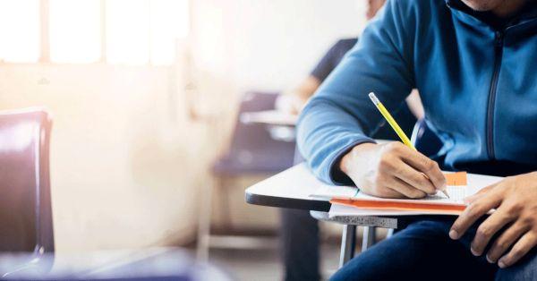 Ομάδες και κλάδοι μαθημάτων  τρόπος και χρόνος εξέτασης και βαθμολόγησης, τρόπος διατύπωσης των θεμάτων, βαθμολόγηση και αναβαθμολόγηση των γραπτών δοκιμίων των προαγωγικών και απολυτηρίων εξετάσεων του Γενικού Λυκείου και κάθε άλλο σχετικό θέμα